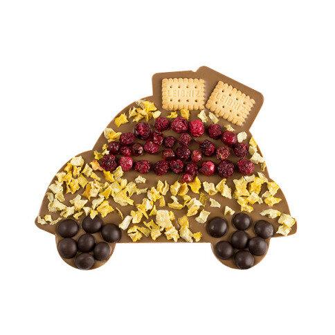 ChocoAuto mit Johannisbeeren, Keksen, Schokoperlen